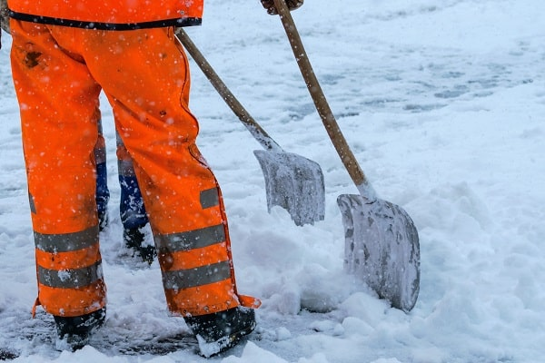 protecting workers from winter weather hazards