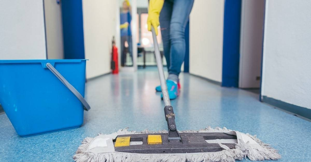 Industrial Cleaning Tips for a Safe Work Environment